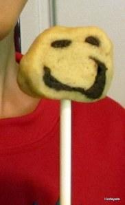 עוגית מקל על פרצוף