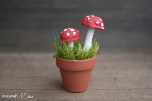 15  kokokoKIDS nature autumn craft mushrooms-8