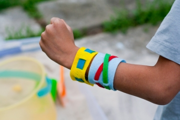 felt-bracelets-final1