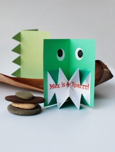 origami_dinosaur_invite_600