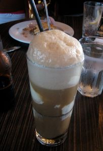 640px-Root_Beer_Float