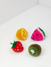 mrprintables-fruit-pom-poms-tutorial.jpg
