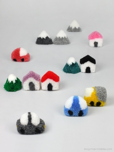 pompom-town-play-set-tutorial.jpg