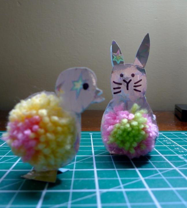 Easter+bunny+&+a+pom-pom+chick.jpg